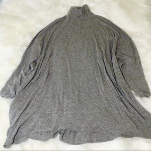 Free People Gray Cocoon Blouse!